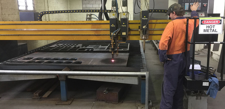 Industrial steel plasma cutter